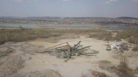 Extração, lavagem, classificação e distração do cascalho do rio Sector mineiro Tecnologia de obter uma pedra Uma opinião do olho  filme