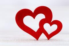 8 extra ai som kontroll för hälsning för mapp för eps för bakgrundskortdag nu över vita oavgjorda sparade valentiner Röd hjärta p Arkivfoto