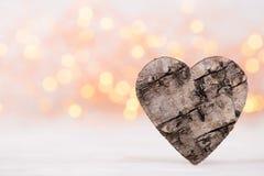 8 extra ai som kontroll för hälsning för mapp för eps för bakgrundskortdag nu över vita oavgjorda sparade valentiner Wood hjärta  Royaltyfri Foto