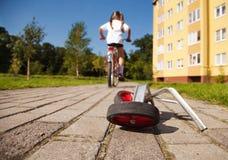 Extra hjul till cykeln Arkivfoton