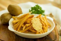 Extra Knapperige de kaastoppi van Oven Baked French Fries en van de mozarella royalty-vrije stock afbeelding