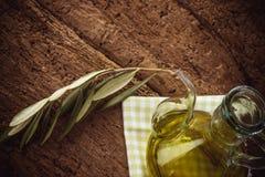 extra oljeolivgrönoskuld arkivfoto