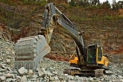 Extracción de la piedra en la mina Imágenes de archivo libres de regalías