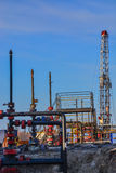 Extracción del aceite en el campo del norte Foto de archivo libre de regalías