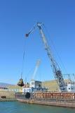 Extractie van zand van de bodem van Meer Baikal Royalty-vrije Stock Fotografie