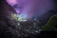 Extracting sulphur and Blue Flame in Kawah Ijen Royalty Free Stock Photos