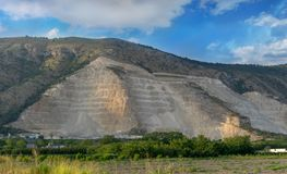 Extraction des ressources naturelles mal à l'environnement photographie stock libre de droits