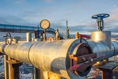 Extraction du pétrole sur le champ du nord Photographie stock libre de droits