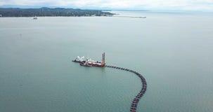 Extractionship песка всасывает песок от Gulf of Thailand сток-видео