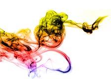 Extracto coloreado del humo del gradiente sobre blanco fotografía de archivo libre de regalías