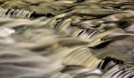 Extracto de conexión en cascada del agua imagen de archivo