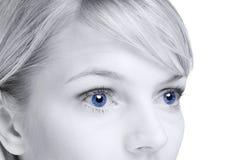 Extracto de la mujer rubia con los ojos azules fotos de archivo libres de regalías