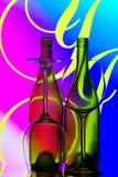 Extracto de las botellas y de los vidrios de vino Fotos de archivo libres de regalías
