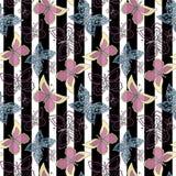 Extracto inconsútil con el fondo elegante de la raya del modelo de mariposas Imagen de archivo libre de regalías