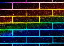 Extracto y pared colorida con los ladrillos negros libre illustration