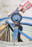 Extractor de la miel con la cera del panal con el marco de la miel Imagen de archivo