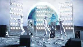 Extranjeros divertidos que bailan en la luna Concepto del UFO Tierra en fondo Partido del espacio Animación realista 4K stock de ilustración