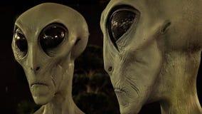Extranjeros en el centro internacional del museo y de investigación del UFO en R Imagenes de archivo