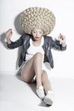 Extravaganz. Blondes Haar-exzentrischmodell mit fantastischem Updo Co Lizenzfreies Stockbild
