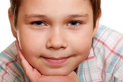 Extreame Nahaufnahmeportrait eines lächelnden Jungen Lizenzfreies Stockfoto