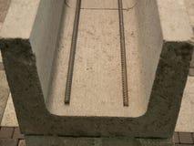 Extreem close-up van gewapend beton blokken voor de bouw van huisvesting bij bouwwerf royalty-vrije stock fotografie