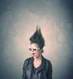 Extreem jong de vrouwenportret van de haarstijl Stock Foto
