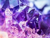 Extreem scherp en gedetailleerd Violetkleurig steendetail, violette verscheidenheid van kwarts royalty-vrije stock foto