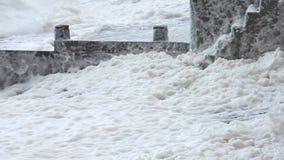 Extreem weer - wind en overzees schuim stock footage