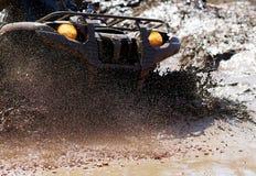 Extrem, das ATV fährt stockfoto