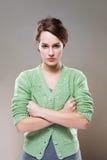 Extrem konkurrenzfähige schauende junge Frau. lizenzfreies stockfoto
