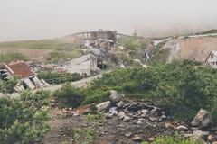 Extrem nebelige Ansicht des Unabhängigkeits-Bergwerkes in Palmer Alaska lizenzfreie stockfotos