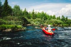Extrem rafting Arkivbild
