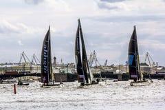 Extrem segla serie för konkurrenssegling i den Neva floden in Arkivfoto