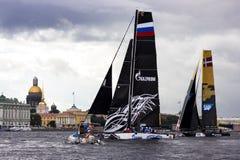 Extrem segla serie i St Petersburg Arkivfoton