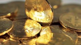 Extrem slut-UPS crypto valuta Bitcoin Främre sikt 4K arkivfilmer