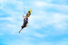 extrem sport Fritids- vattensportar Kiteboarding Kitesurf Royaltyfri Bild