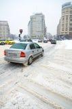 Extrema snowfall - trafikproblem Fotografering för Bildbyråer