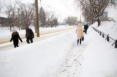 Extrema snowfall - tunga snowfall Arkivfoton