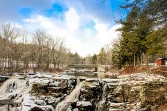 Extrema vintervillkor i Pocono berg arkivbild