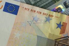 Extreme dichte omhooggaand van twee euro rekeningen Stock Afbeelding