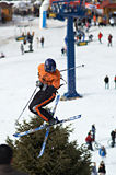 Extreme Fliege des Skifahrers Lizenzfreies Stockfoto