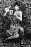 Extreme hohe Art- und Weisefrau mit Streifen Lizenzfreie Stockfotos