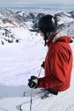 Extreme skiër bij verbazende skitoevlucht Royalty-vrije Stock Fotografie