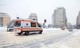Extreme sneeuwval in Boekarest stock afbeeldingen