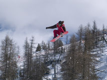 Extreme snowboarder op vlucht Royalty-vrije Stock Fotografie