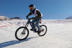 Extreme winter mountain bike contest Royalty Free Stock Photography