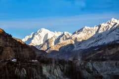 Extreme wintertijd in de karakorambergen Stock Foto's