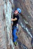 Extremer Bergsteiger lizenzfreies stockbild