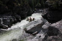 Extremes Flößen auf dem Bashkaus-Fluss stockfotos