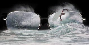 Extremes Surfer-Kurzschluss-Brett Lizenzfreies Stockbild